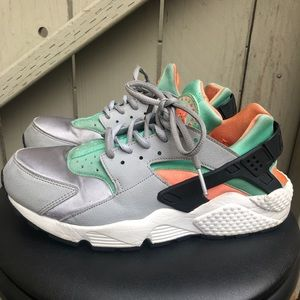 Nike Air Huarache Run Green/Orange Women's 9